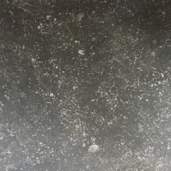 Milestone Dark getrommeld 20x20